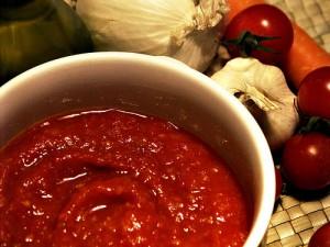 Соус из красных помидоров (Апамидор сызбал)
